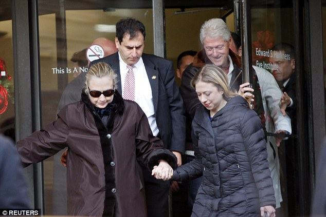 Top Doctor Hillary's Health Concerns Not a Conpsiracy