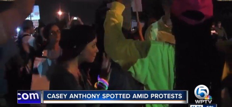 Video of Casey Anthony at an Anti-Trump Rally, anti-trump rally