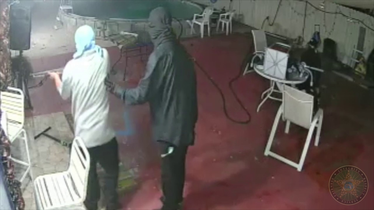 Florida Man Beats the Crap Out of 5 Armed Robbers - Must See Video!