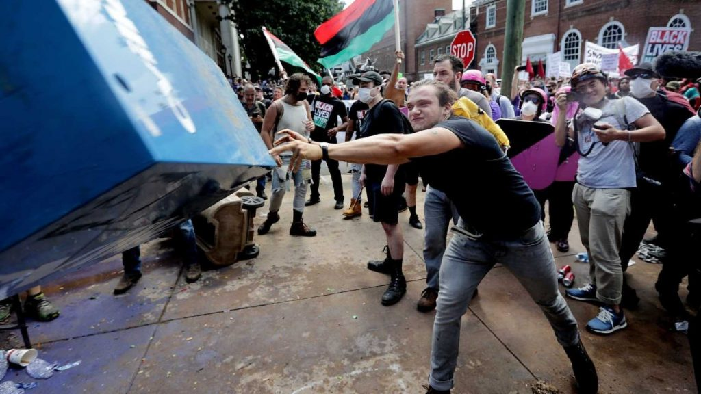 White House Being Petitioned to Recognize Antifa as Terrorist Group