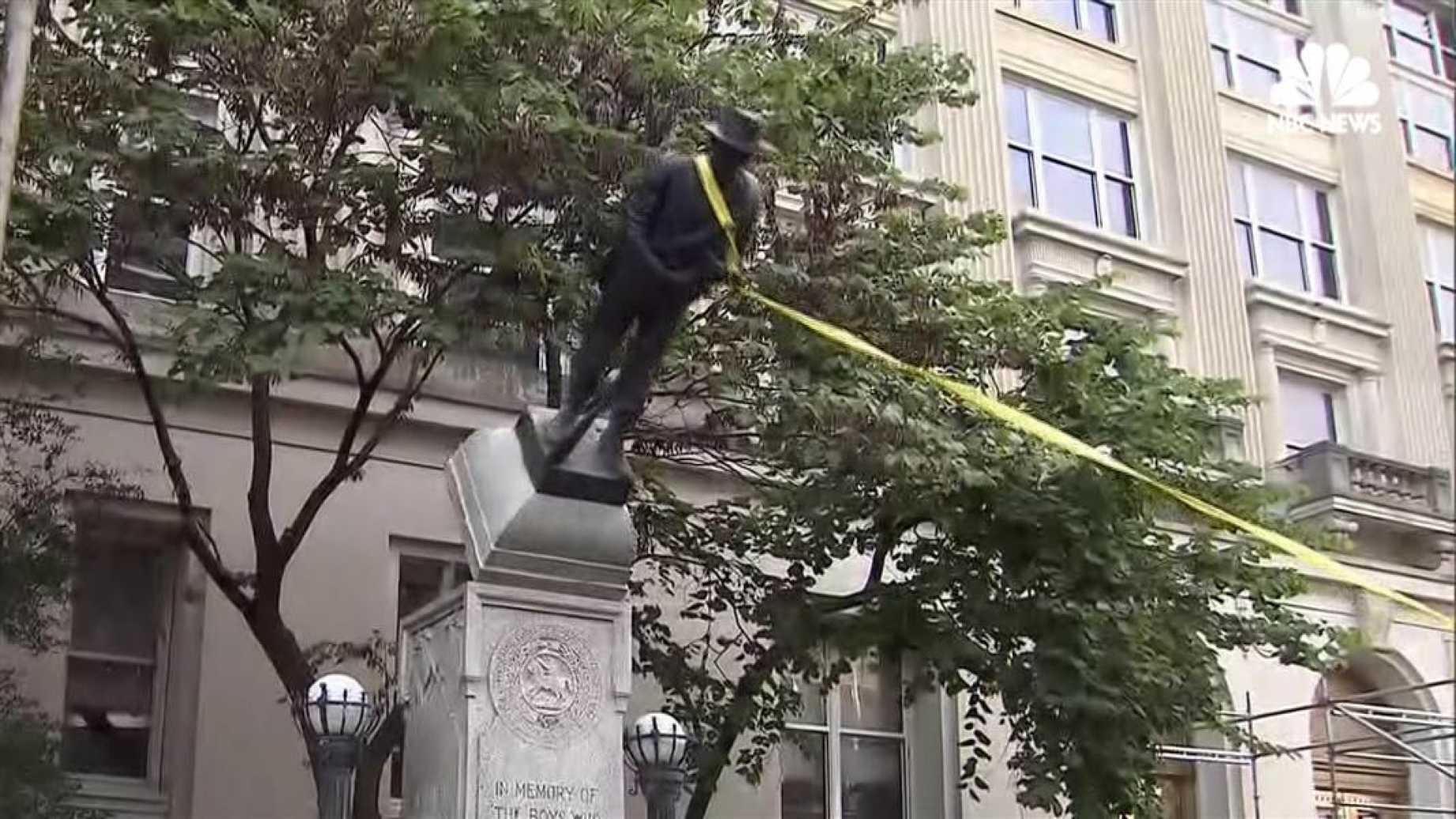 protesters take down confederate statue, durham nc