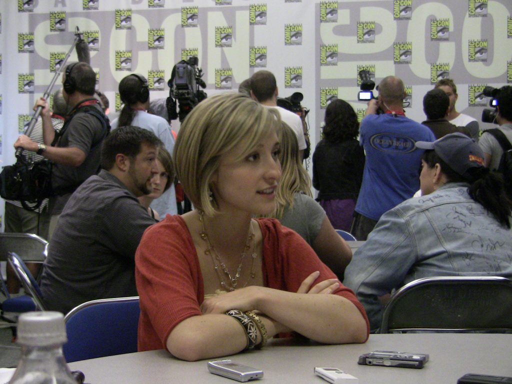 'Smallville' Actress Allison Mack Allegedly Was Second In Command Of Sex Cult