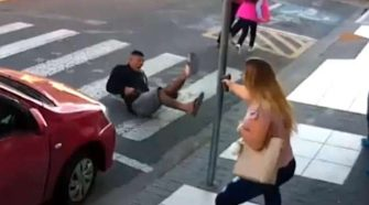 Hero in a Pink Shirt Saves the Day When a Punk Pulls a Gun on a Group of Moms