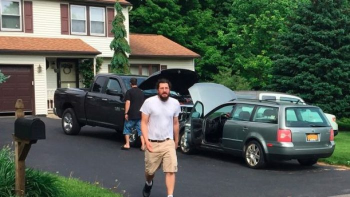 30-Year-Old Who Refused to Move Out of Parents' Home is Back At It