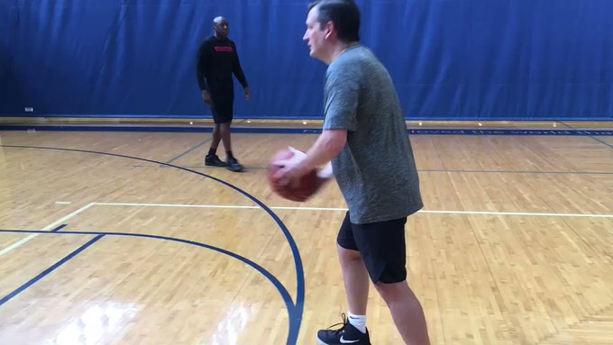 Ted Cruz Prepares for Basketball Showdown With Jimmy Kimmel