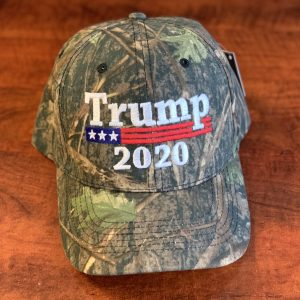 trump in 2020 camo hat