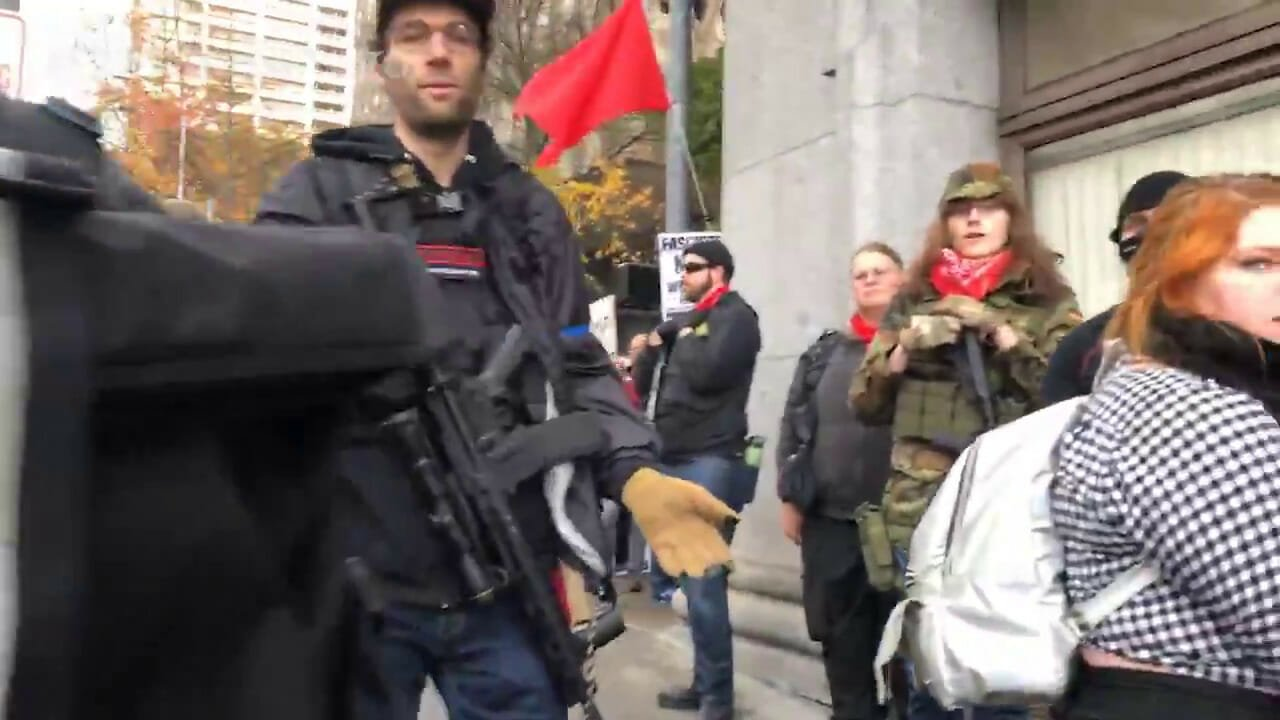 Antifa Thugs Armed With AR15s