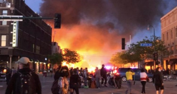 minneapolis mayor giving free masks to rioters