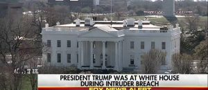Intruder at the White House Arrested by Secret Service - VIDEO