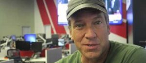 Facebook Commenter Calls Mike Rowe a 'White Supremacist,' Immediately Gets DESTROYED By Mike